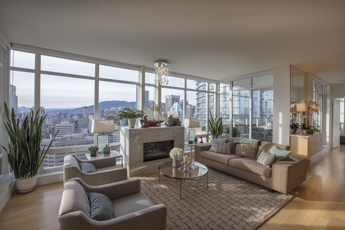 Photo 3: 2702 565 SMITHE STREET in Vancouver: Downtown VW Condo for sale (Vancouver West)  : MLS® # R2156124