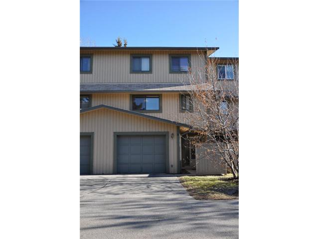Main Photo: 50 27 SILVER SPRINGS Drive NW in CALGARY: Silver Springs Townhouse for sale (Calgary)  : MLS® # C3514179