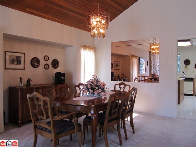 Photo 3: 6576 SUNWOOD Drive in Delta: Sunshine Hills Woods House for sale (N. Delta)  : MLS® # F1213598