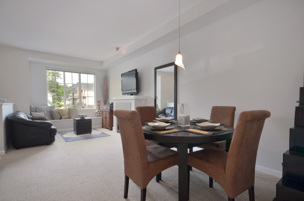 Photo 3: 20 7331 HEATHER Street in Richmond: McLennan North Townhouse for sale : MLS(r) # V957548