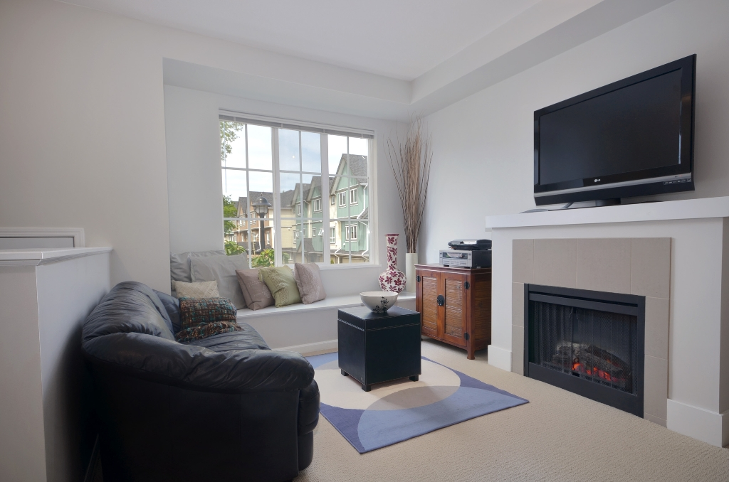 Photo 2: 20 7331 HEATHER Street in Richmond: McLennan North Townhouse for sale : MLS(r) # V957548