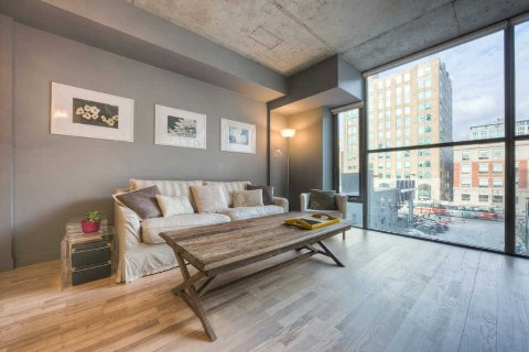 Photo 2: 25 Oxley St Unit #401 in Toronto: Waterfront Communities C1 Condo for sale (Toronto C01)  : MLS(r) # C2814652