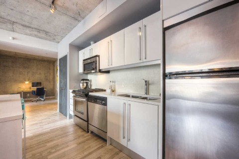 Photo 5: 25 Oxley St Unit #401 in Toronto: Waterfront Communities C1 Condo for sale (Toronto C01)  : MLS(r) # C2814652