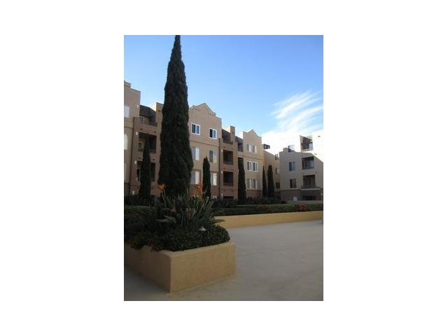 Main Photo: UNIVERSITY CITY Condo for sale : 1 bedrooms : 3550 Lebon Drive #6411 in San Diego