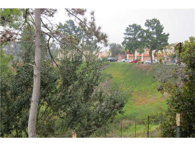Photo 5: SAN DIEGO Townhome for sale : 3 bedrooms : 9825 Genesee Avenue