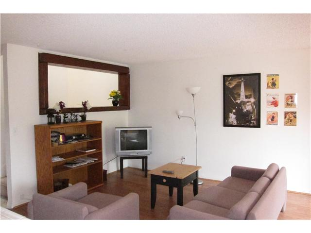 Photo 2: SAN DIEGO Townhome for sale : 3 bedrooms : 9825 Genesee Avenue
