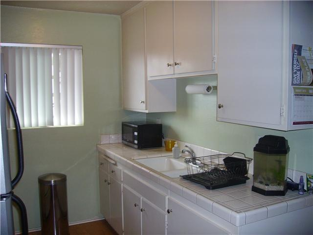 Photo 4: PACIFIC BEACH Home for sale or rent : 1 bedrooms : 4750 Noyes #215 in San Diego