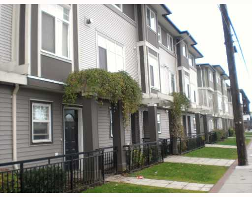 Photo 1: # 19 1010 EWEN AV in : Queensborough Townhouse for sale : MLS® # V798328