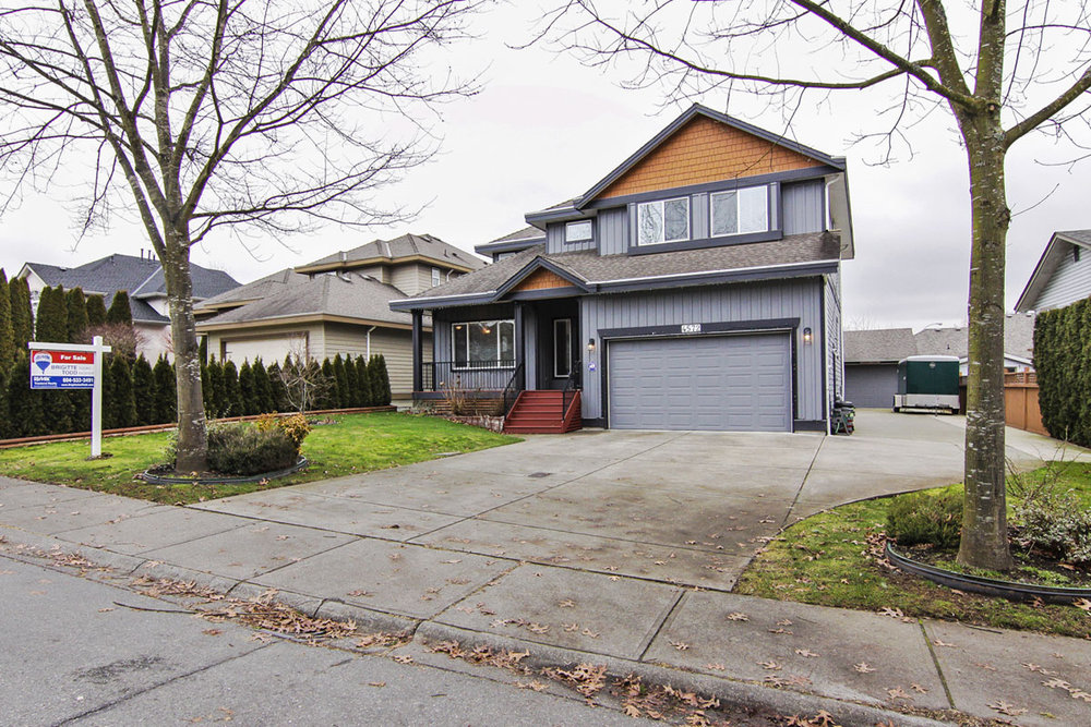 Main Photo: 4572 Benz Crescent in Upper Murrayville: Murrayville Home for sale ()  : MLS® # F1400585