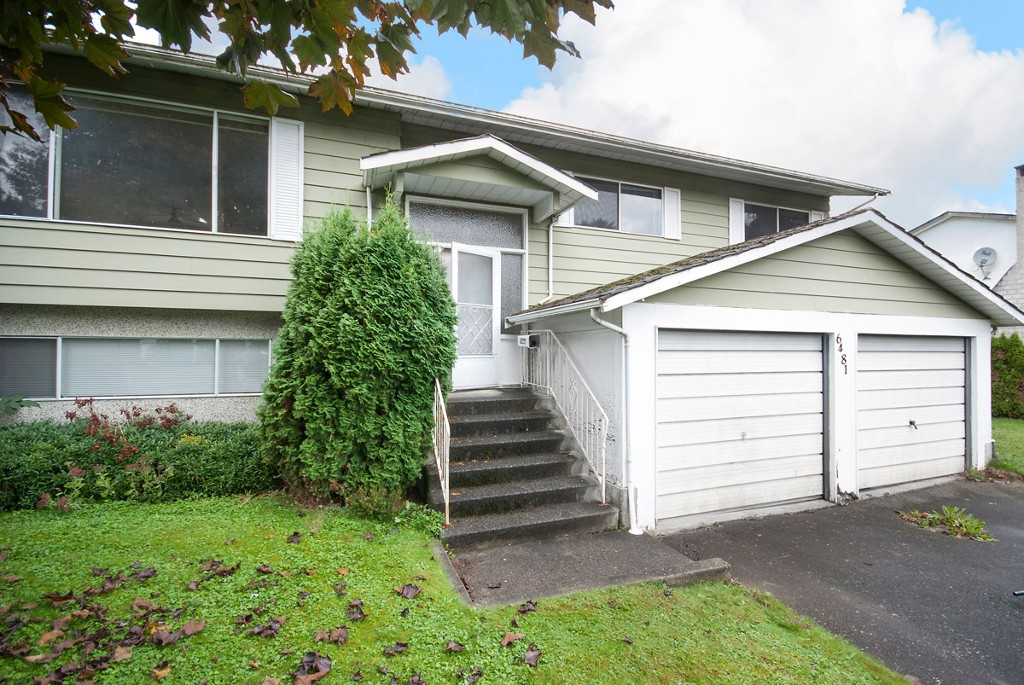 Main Photo: 6481 Trent St in Chilliwack: Sardis West Vedder Rd House for sale : MLS® # R2114322