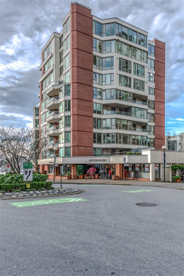 Main Photo: 603 1675 HORNBY STREET in Vancouver: Yaletown Condo for sale (Vancouver West)  : MLS(r) # R2136358