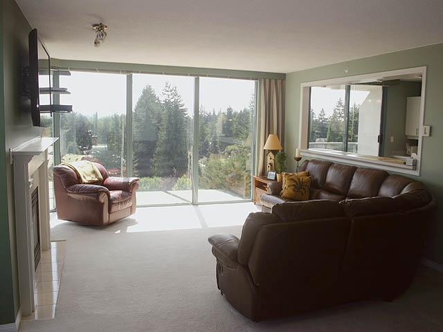"Photo 3: 903 32330 S FRASER Way in Abbotsford: Abbotsford West Condo for sale in ""Town Centre Tower"" : MLS® # F1220378"