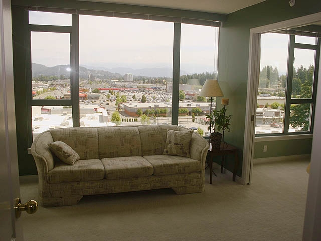 "Photo 10: 903 32330 S FRASER Way in Abbotsford: Abbotsford West Condo for sale in ""Town Centre Tower"" : MLS® # F1220378"