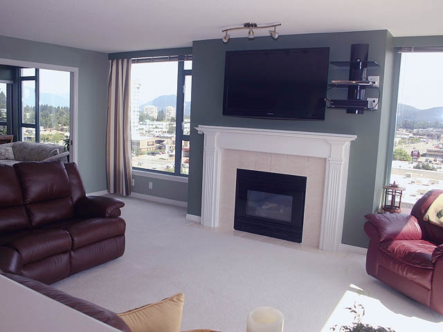 "Photo 2: 903 32330 S FRASER Way in Abbotsford: Abbotsford West Condo for sale in ""Town Centre Tower"" : MLS® # F1220378"