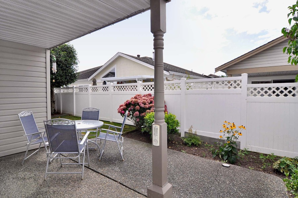 "Photo 9: 204 8485 YOUNG Road in Chilliwack: Chilliwack W Young-Well Townhouse for sale in ""HAZELWOOD GROVE"" : MLS(r) # H1203476"