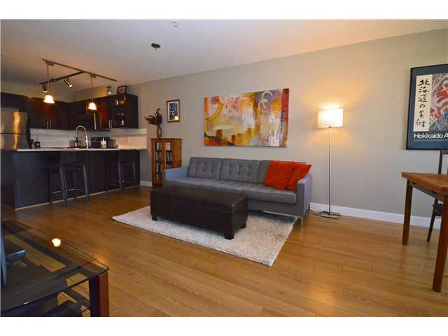 "Photo 3: 306 2150 E HASTINGS Street in Vancouver: Hastings Condo for sale in ""The VIEW"" (Vancouver East)  : MLS(r) # V1006991"
