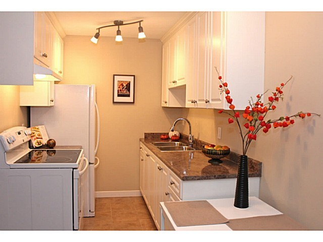 Main Photo: 108 2033 W 7th Avenue in Vancouver: Kitsilano Condo for sale (Vancouver West)  : MLS® # V1010480