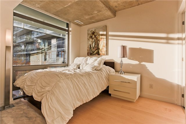 Photo 2: 55 Stewart St Unit #115 in Toronto: Waterfront Communities C1 Condo for sale (Toronto C01)  : MLS® # C3385608
