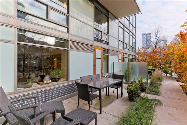 Photo 6: 55 Stewart St Unit #115 in Toronto: Waterfront Communities C1 Condo for sale (Toronto C01)  : MLS® # C3385608