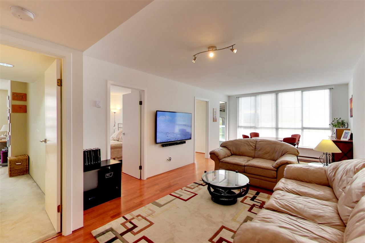 Photo 2: 709 1500 HOWE STREET in Vancouver: Yaletown Condo for sale (Vancouver West)  : MLS® # R2160238