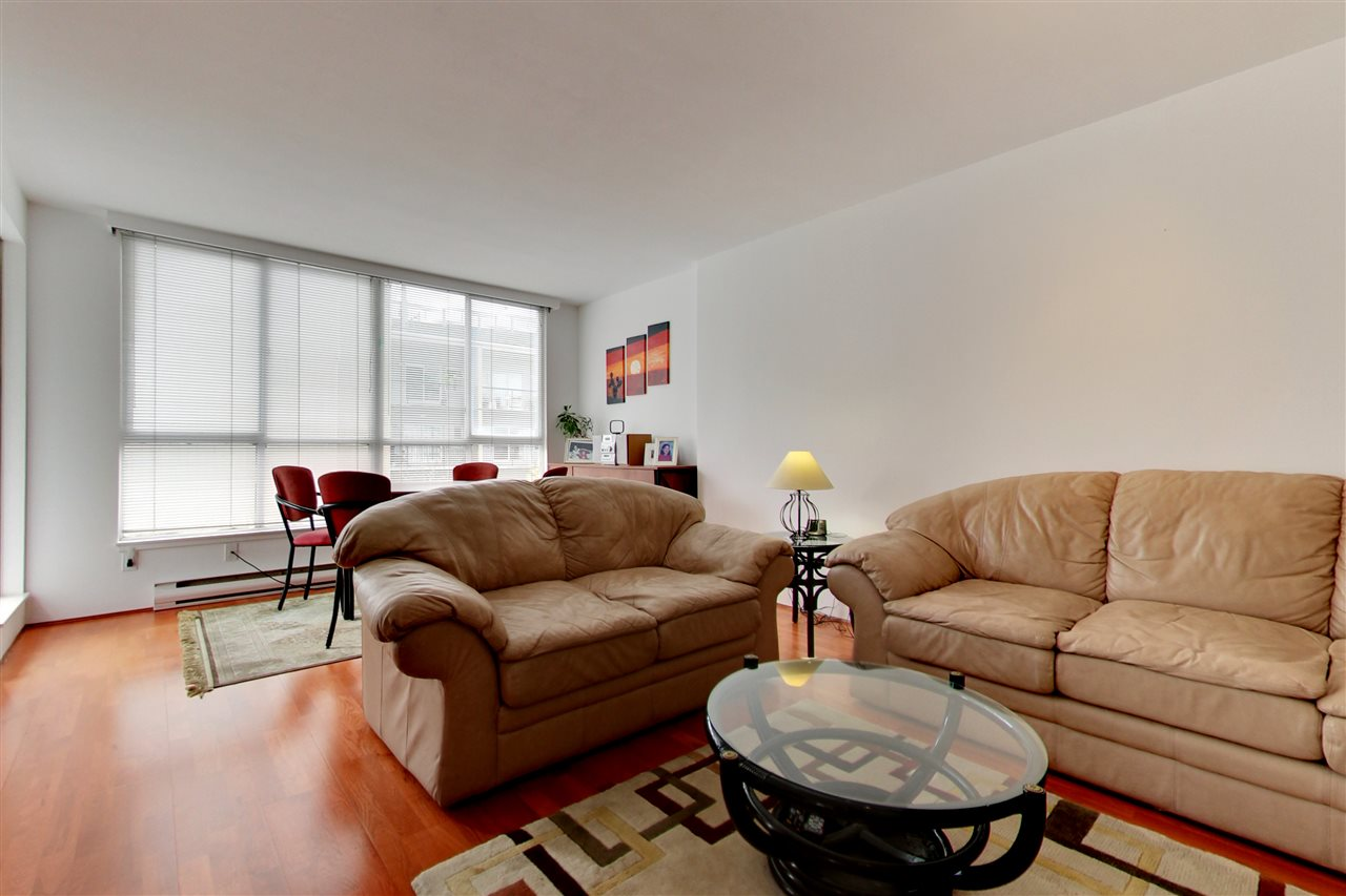 Photo 3: 709 1500 HOWE STREET in Vancouver: Yaletown Condo for sale (Vancouver West)  : MLS® # R2160238