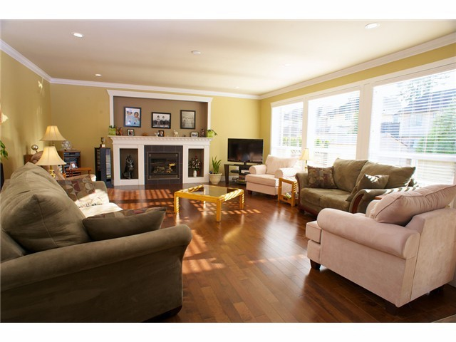 "Photo 2: 21224 83A Avenue in Langley: Willoughby Heights House for sale in ""UPLANDS OF YORKSON"" : MLS(r) # F1300280"