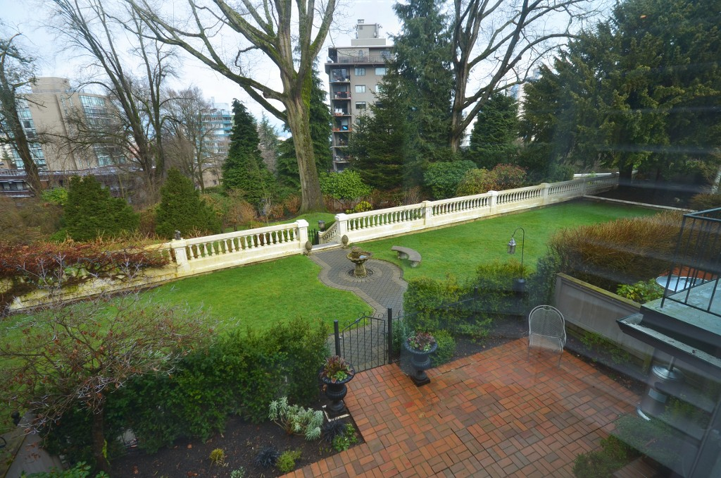 "Photo 17: 1449 MCRAE AV in Vancouver: Shaughnessy Townhouse for sale in ""MCRAE MEWS"" (Vancouver West)  : MLS(r) # V992862"