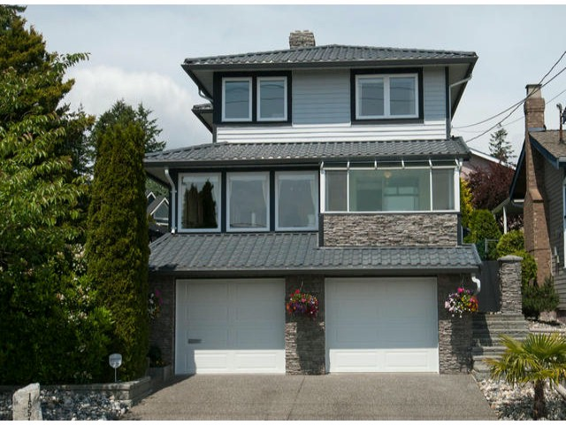 "Main Photo: 15515 BUENA VISTA Avenue: White Rock House for sale in ""Vista Hills"" (South Surrey White Rock)  : MLS® # F1312289"