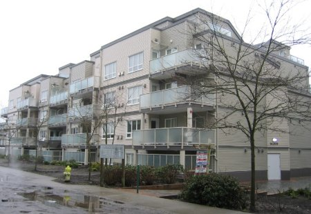 Main Photo: 402, 14399 103 Avenue: Condo for sale (Whalley)  : MLS(r) # 2401829