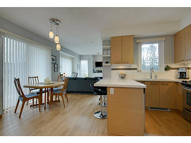 Photo 3: 7391 18TH ST in Burnaby: Edmonds BE Condo for sale (Burnaby East)  : MLS® # V1053036