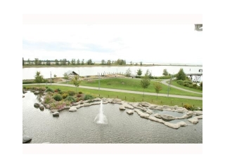Main Photo: 402 4500 Westwater Drive in Richmond: Steveston South Condo for sale : MLS(r) # V1062720