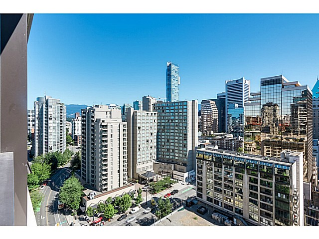 "Photo 6: 1723 938 SMITHE Street in Vancouver: Downtown VW Condo for sale in ""ELECTRIC AVENUE"" (Vancouver West)  : MLS(r) # V1075235"
