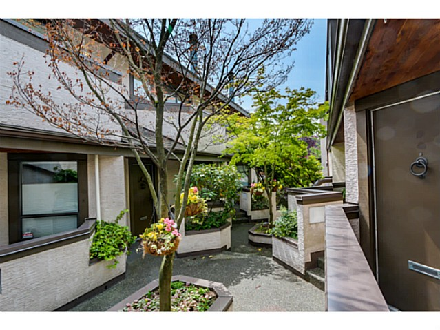 "Photo 12: 1724 CYPRESS Street in Vancouver: Kitsilano Townhouse for sale in ""CYPRESS MEWS"" (Vancouver West)  : MLS(r) # V1083303"