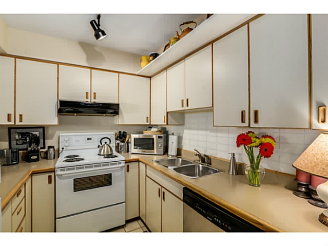 "Photo 15: 1724 CYPRESS Street in Vancouver: Kitsilano Townhouse for sale in ""CYPRESS MEWS"" (Vancouver West)  : MLS(r) # V1083303"