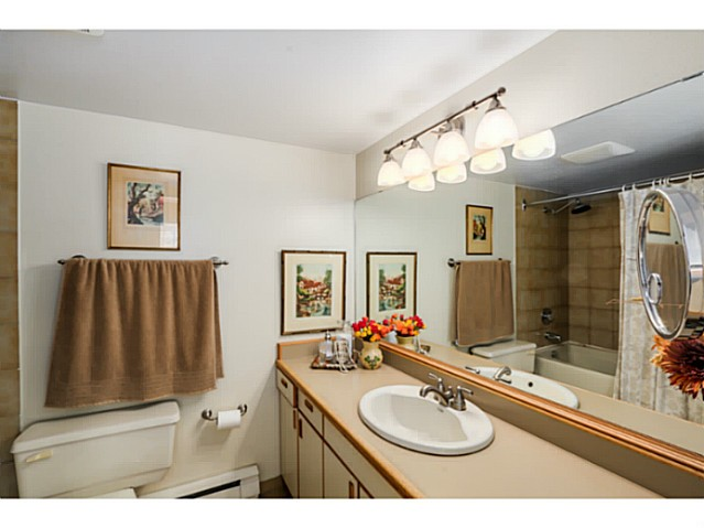 "Photo 9: 1724 CYPRESS Street in Vancouver: Kitsilano Townhouse for sale in ""CYPRESS MEWS"" (Vancouver West)  : MLS(r) # V1083303"