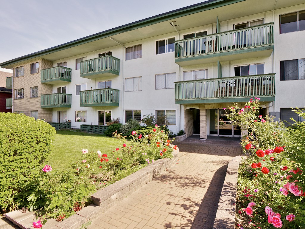 Main Photo: 310 36 E 14th Avenue in Vancouver: Mount Pleasant VE Condo for sale (Vancouver East)