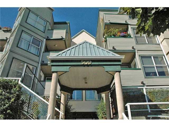 "Main Photo: 112 509 CARNARVON Street in New Westminster: Downtown NW Condo for sale in ""HILLSIDE PLACE"" : MLS® # V1012507"