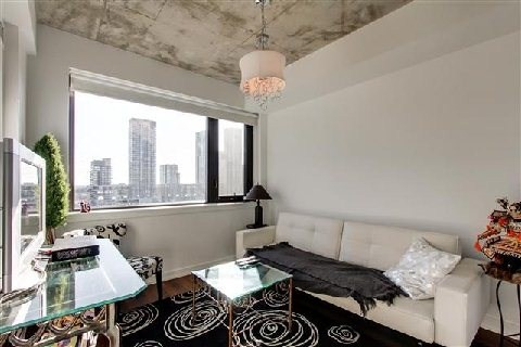 Photo 13: 400 Wellington St Unit #1004 in Toronto: Waterfront Communities C1 Condo for sale (Toronto C01)  : MLS(r) # C3069619