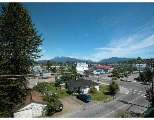 "Main Photo: 439 22661 LOUGHEED HY in Maple Ridge: East Central Condo for sale in ""GOLDEN EARS GATE"" : MLS®# V551034"