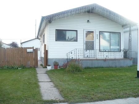 Main Photo: 964 MOUNTAIN AVE.: Residential for sale (North End)  : MLS(r) # 2919778