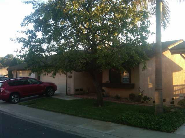Main Photo: BAY PARK Twinhome for sale : 3 bedrooms : 4460 Caminito Pedernal in San Diego