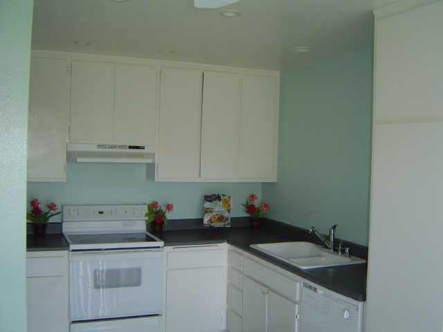 Photo 3: BAY PARK Twinhome for sale : 3 bedrooms : 4460 Caminito Pedernal in San Diego