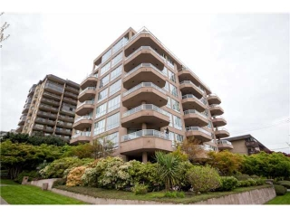 Main Photo: 301 408 LONSDALE Avenue in North Vancouver: Lower Lonsdale Condo for sale in &quot;The Monaco&quot; : MLS(r) # V1003928