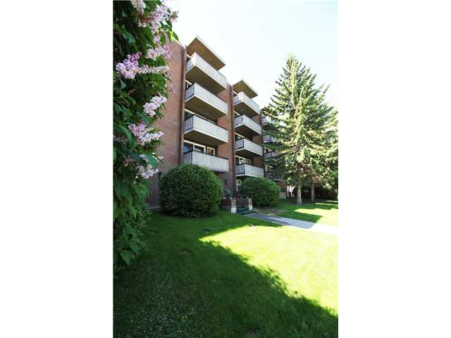Main Photo: 207 903 19 Avenue SW in CALGARY: Lower Mount Royal Condo for sale (Calgary)  : MLS(r) # C3624018