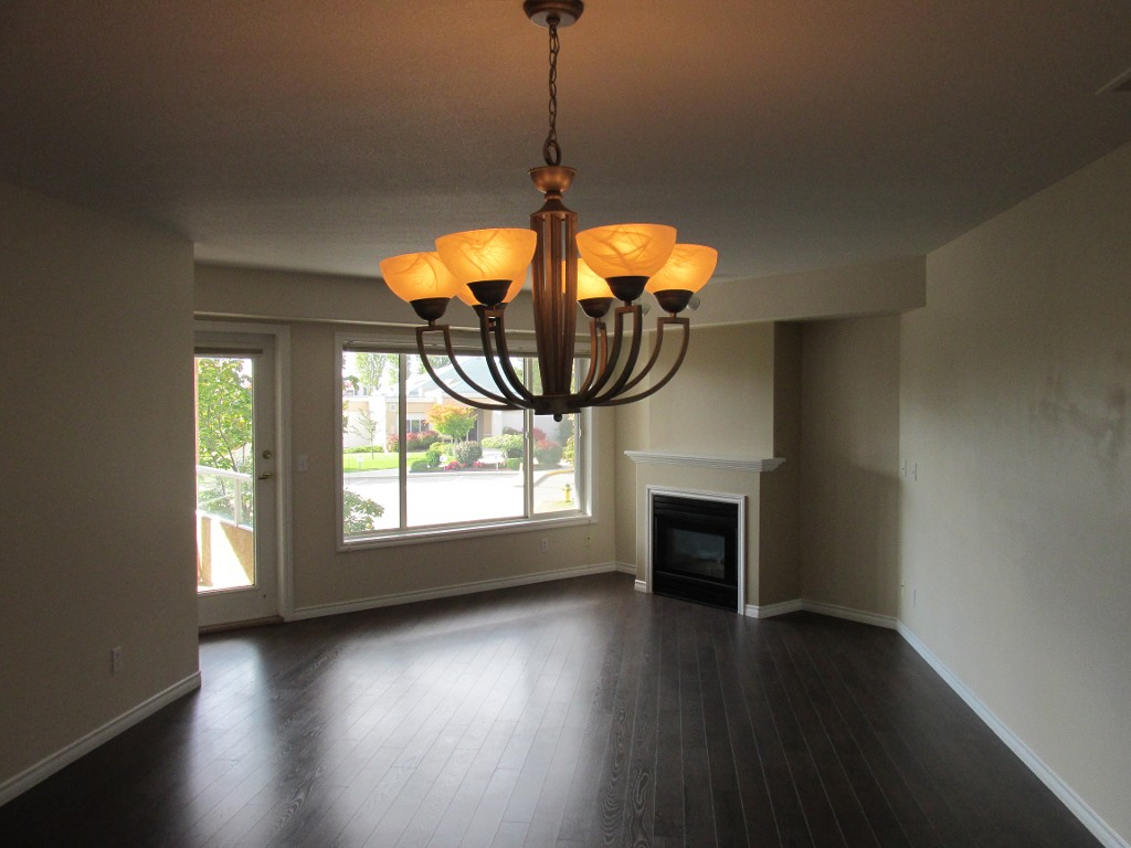 Main Photo: 312-265 Snowsell St in Kelowna: North Glenmore Condo for sale : MLS® # 10089469