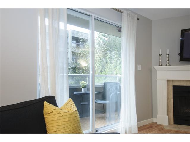 Photo 7: # 202 526 W 13TH AV in Vancouver: Fairview VW Condo for sale (Vancouver West)  : MLS(r) # V1094742
