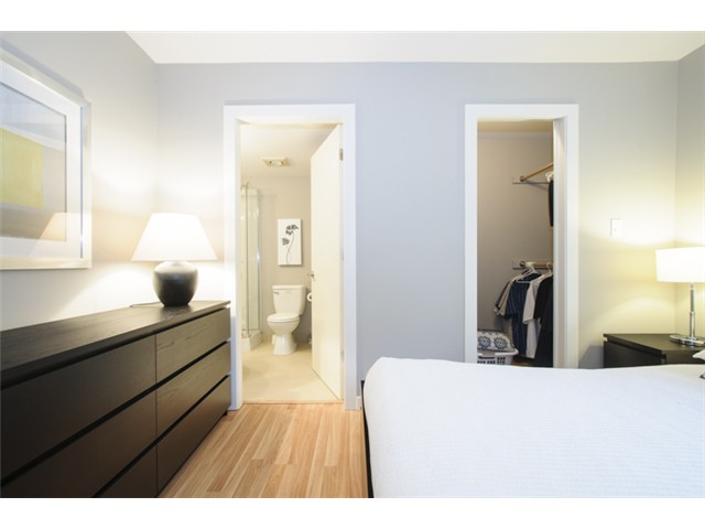 Photo 14: # 202 526 W 13TH AV in Vancouver: Fairview VW Condo for sale (Vancouver West)  : MLS(r) # V1094742
