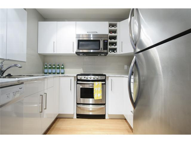 Photo 12: # 202 526 W 13TH AV in Vancouver: Fairview VW Condo for sale (Vancouver West)  : MLS(r) # V1094742