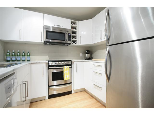 Photo 10: # 202 526 W 13TH AV in Vancouver: Fairview VW Condo for sale (Vancouver West)  : MLS(r) # V1094742