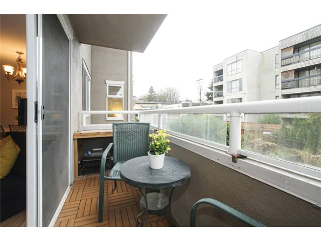 Photo 19: # 202 526 W 13TH AV in Vancouver: Fairview VW Condo for sale (Vancouver West)  : MLS(r) # V1094742